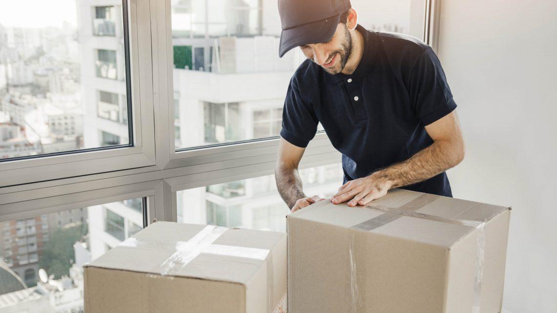 Spedizione pacchi postali